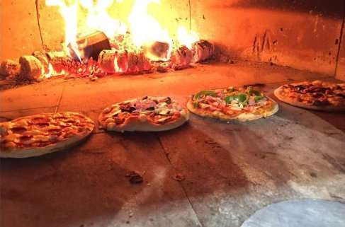 Pizza Parlour Restaurant Peterborough - Wood-fired pizza oven